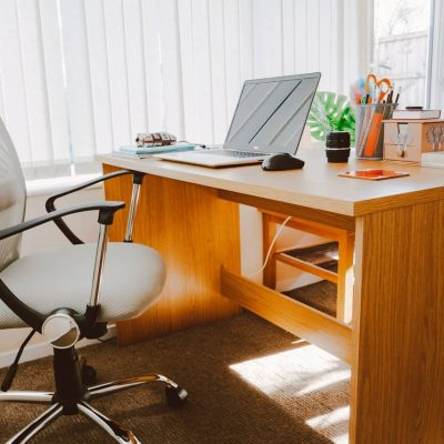 Ergonomische bureaustoel op kantoor